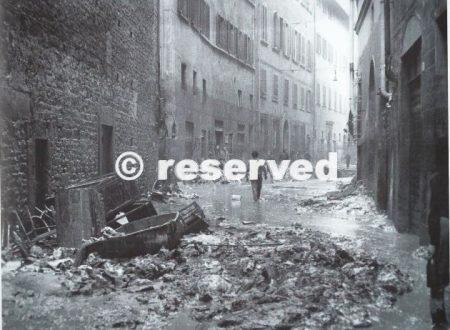 FIRENZE DEVASTATA 1966