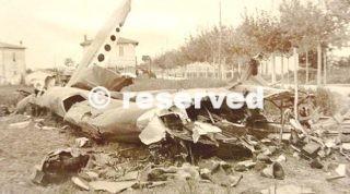 26 aprile 1943 nella foto uno degli aerei caduto dopo il bombardamento_wwii
