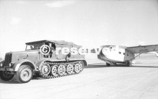 Italia Grosseto si tira un aliante carico Gotha Go 242_wwii