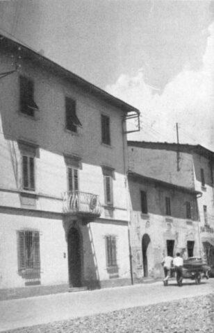 La caserma dei carabinieri in piazza Umberto primo oggi piazza Risorgimento